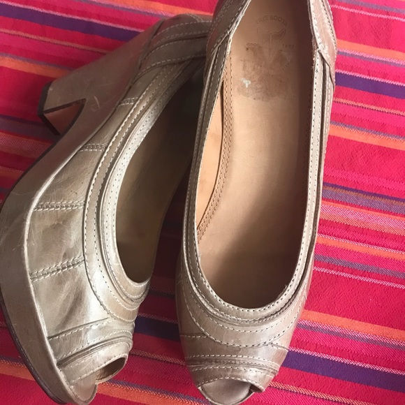 5de63f83917 Frye Shoes - Frye peep toe wedge heels EUC